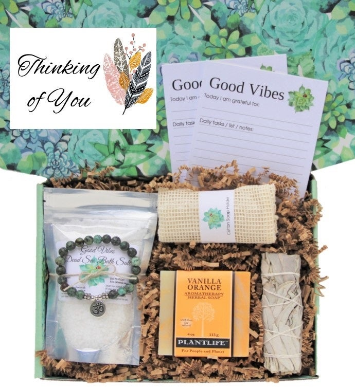 34Thinking of You34 Good Vibes Women39s Gift Box